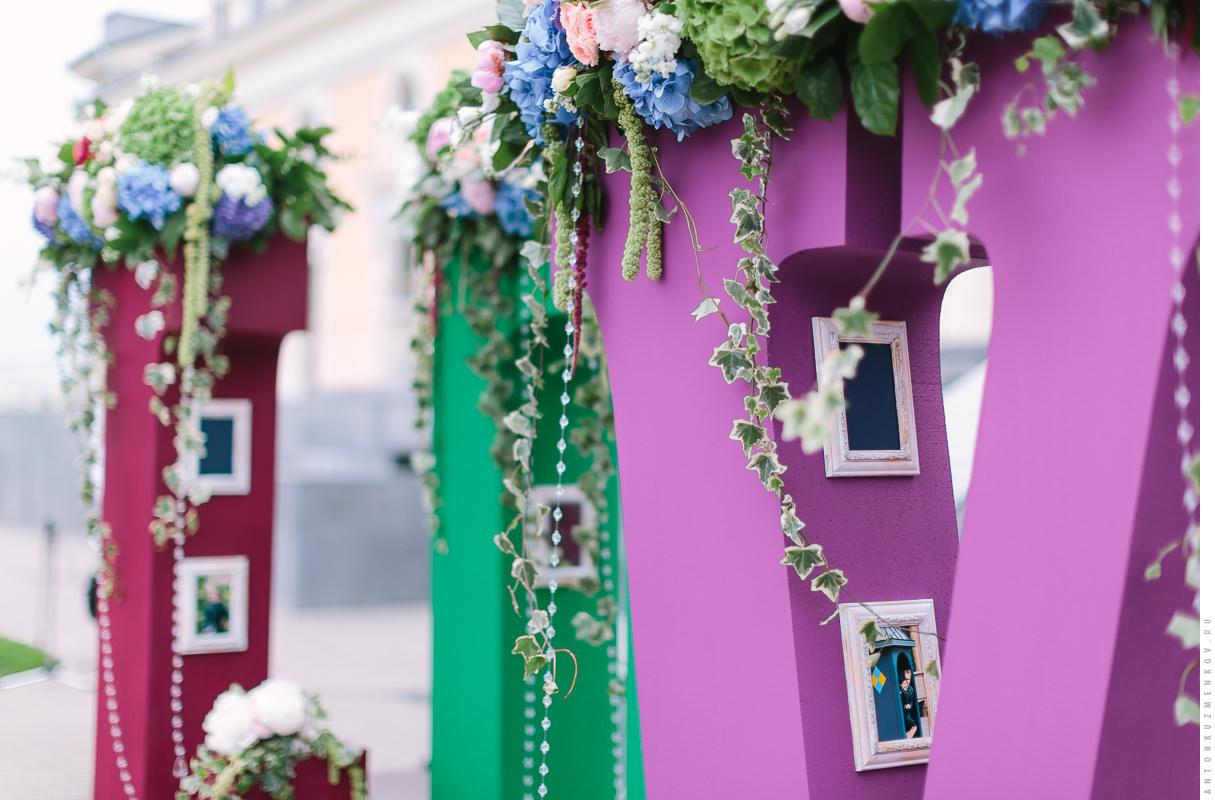 Объёмные буквы и декорации на свадьбе