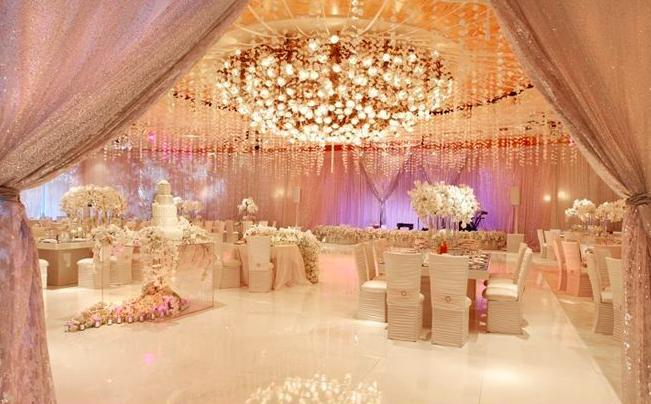 Роскошный свадебный декор в классическом стиле