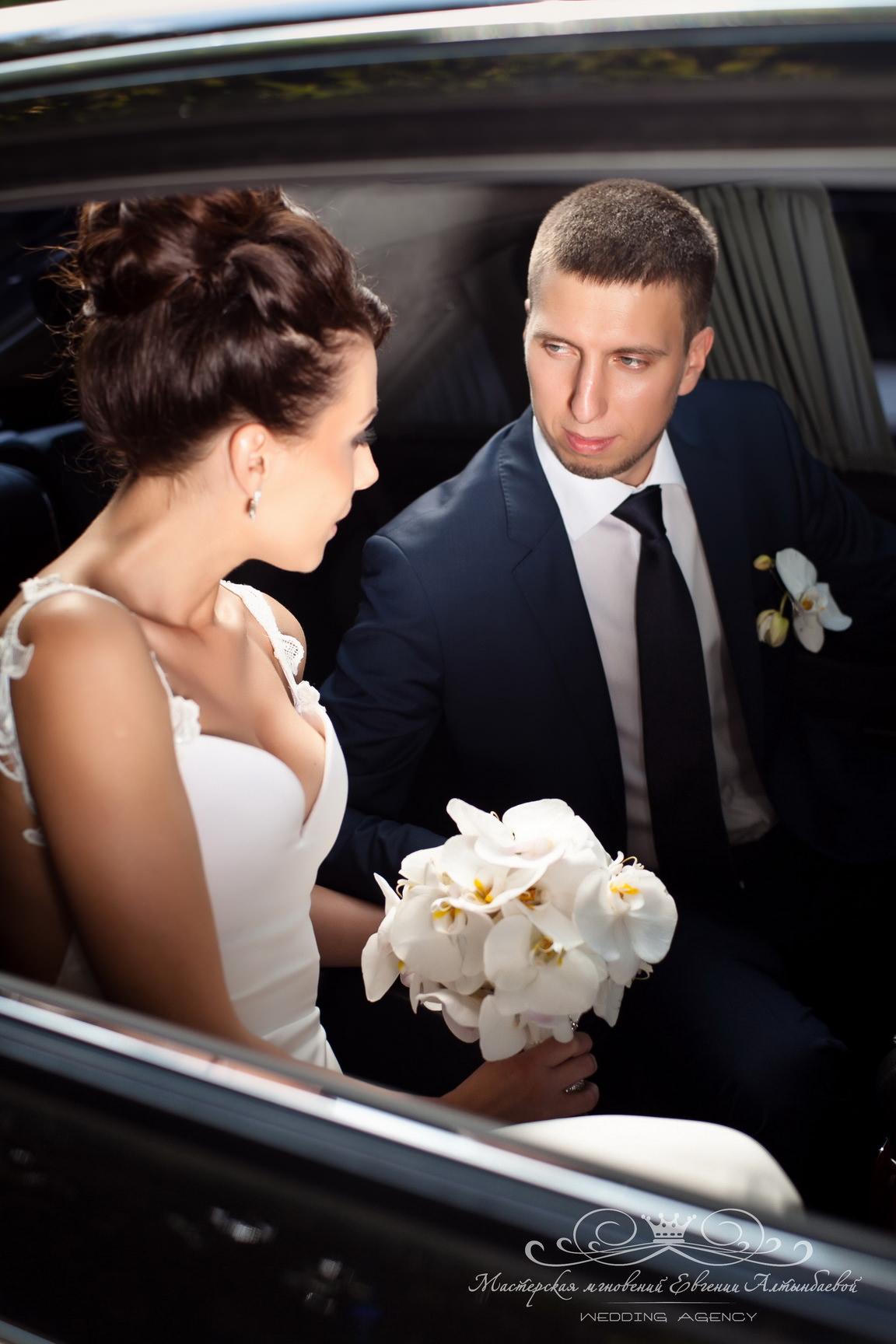 Аренда свадебного автомобиля премиум класса