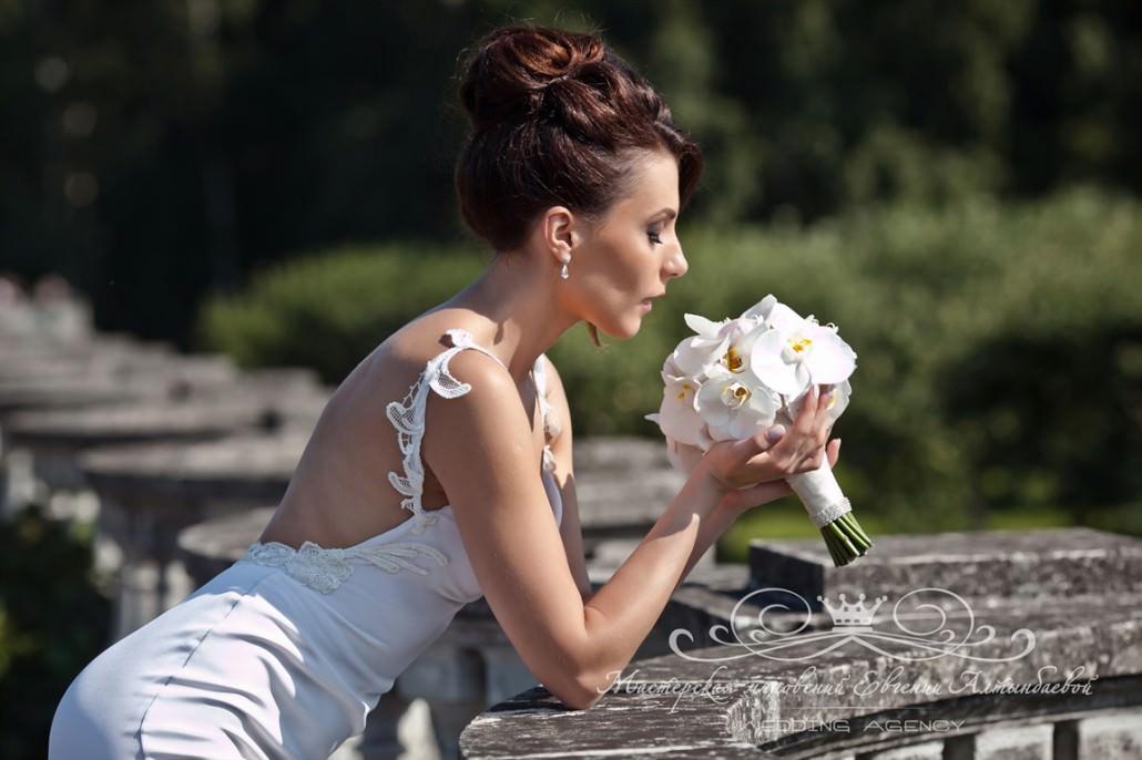 Букет невесты из фаленопсиса