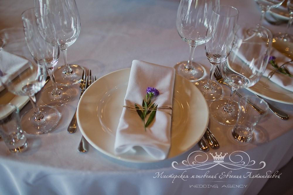 Декор салфеток на свадьбе