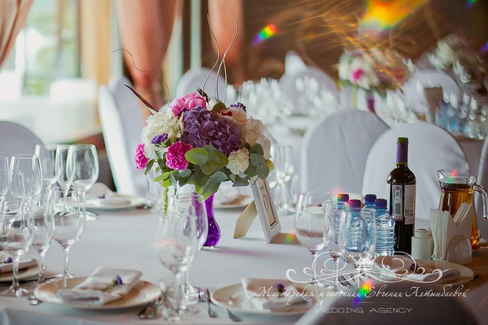 Фиолетовый цвет в  оформлении свадьбы