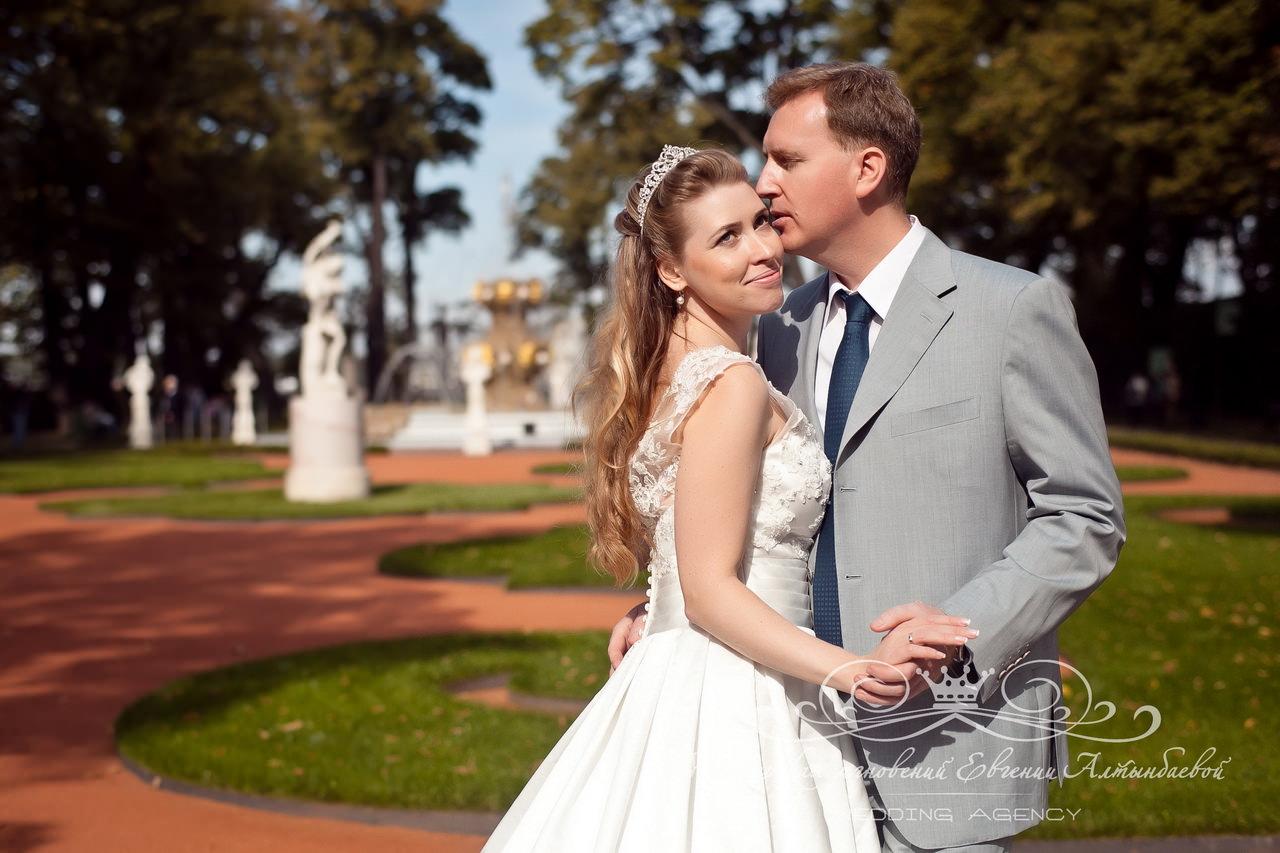 Красивое место для свадебной фотосессии в Петербурге