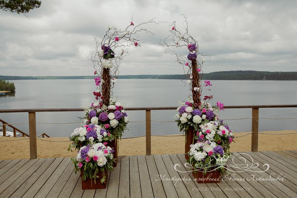 Свадебная арка из веток и 6 кашпо на 3 уровнях