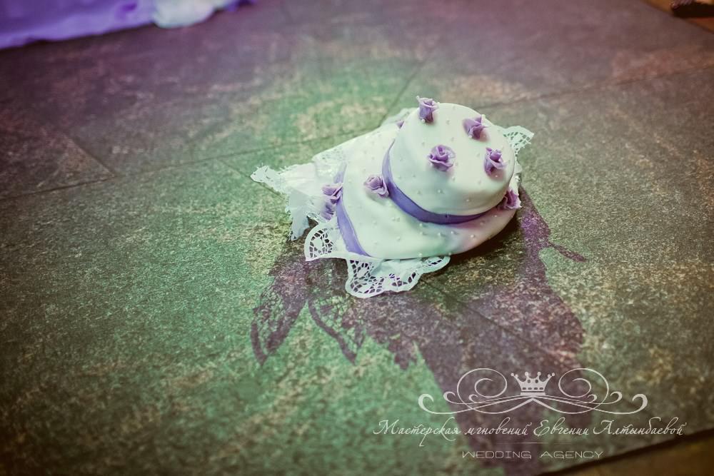 Розыгрыш со свадебным тортом