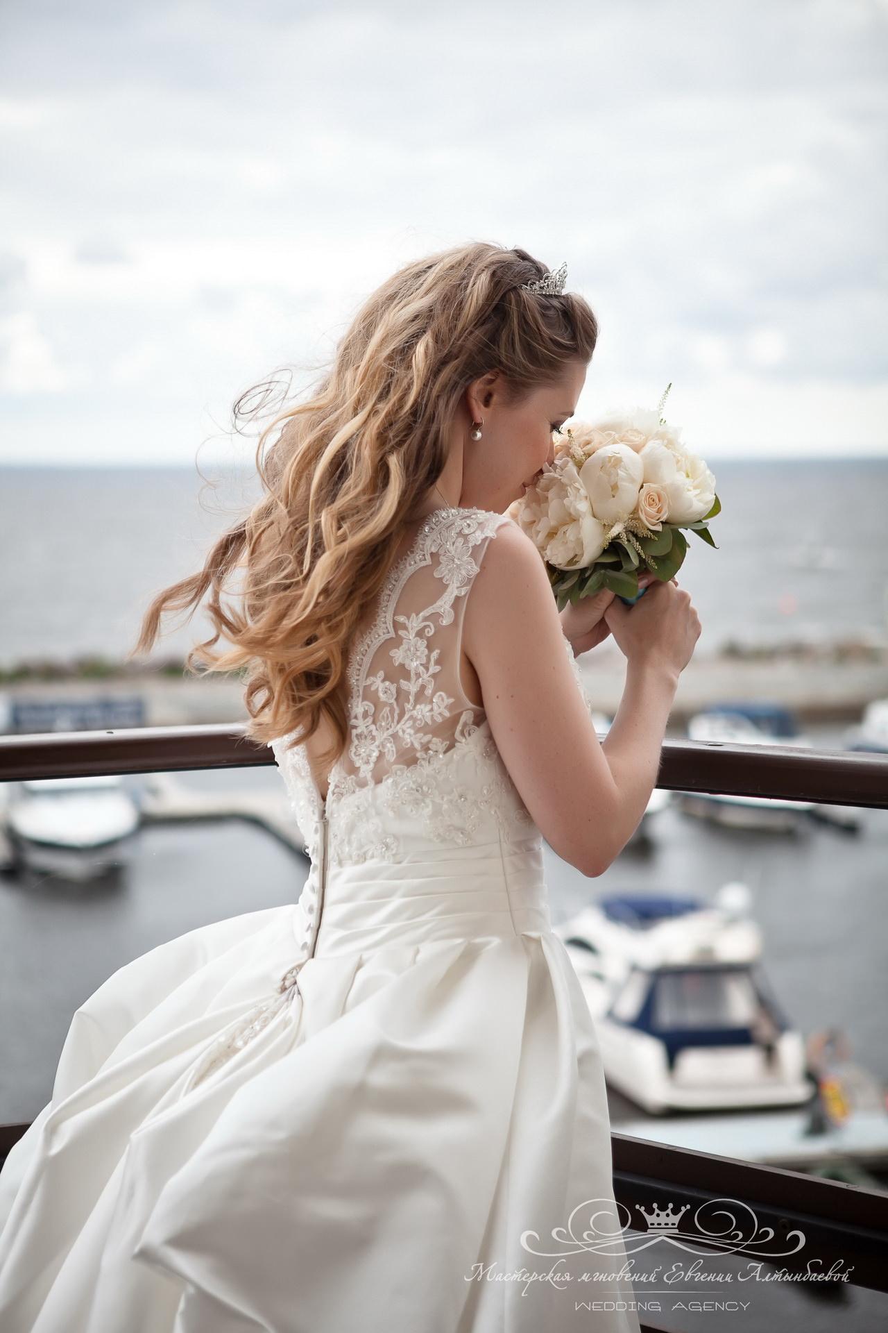 Сказочный букет невесты из пионов
