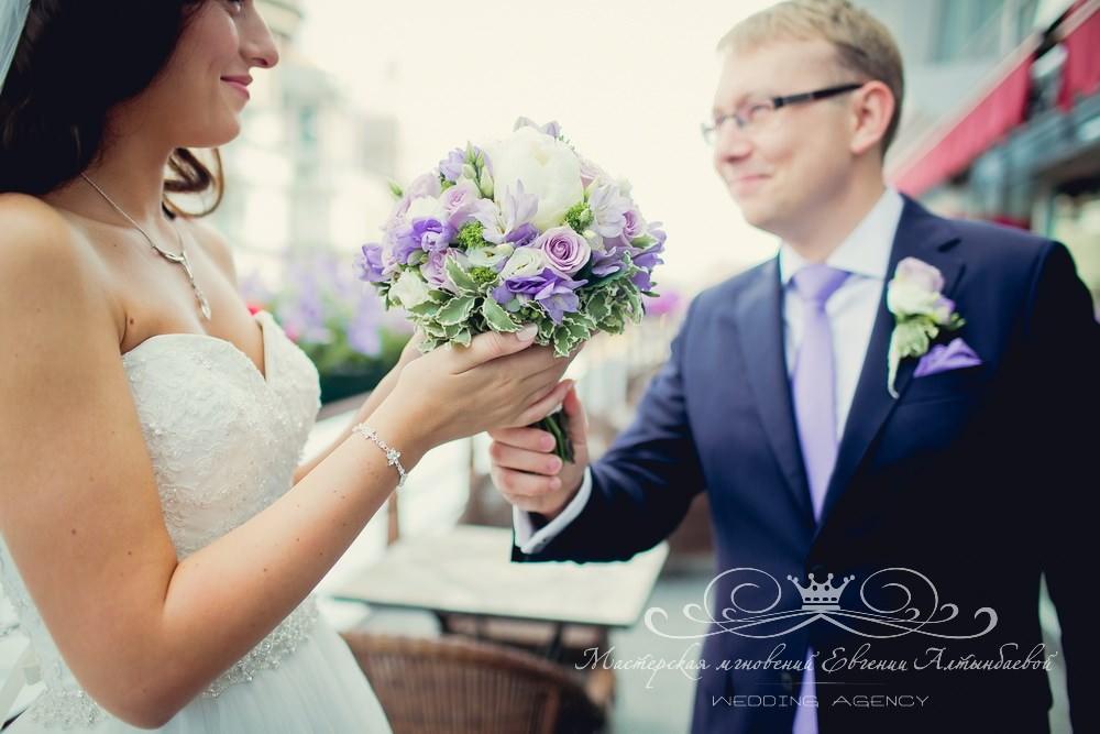Стильный и красивый букет невесты