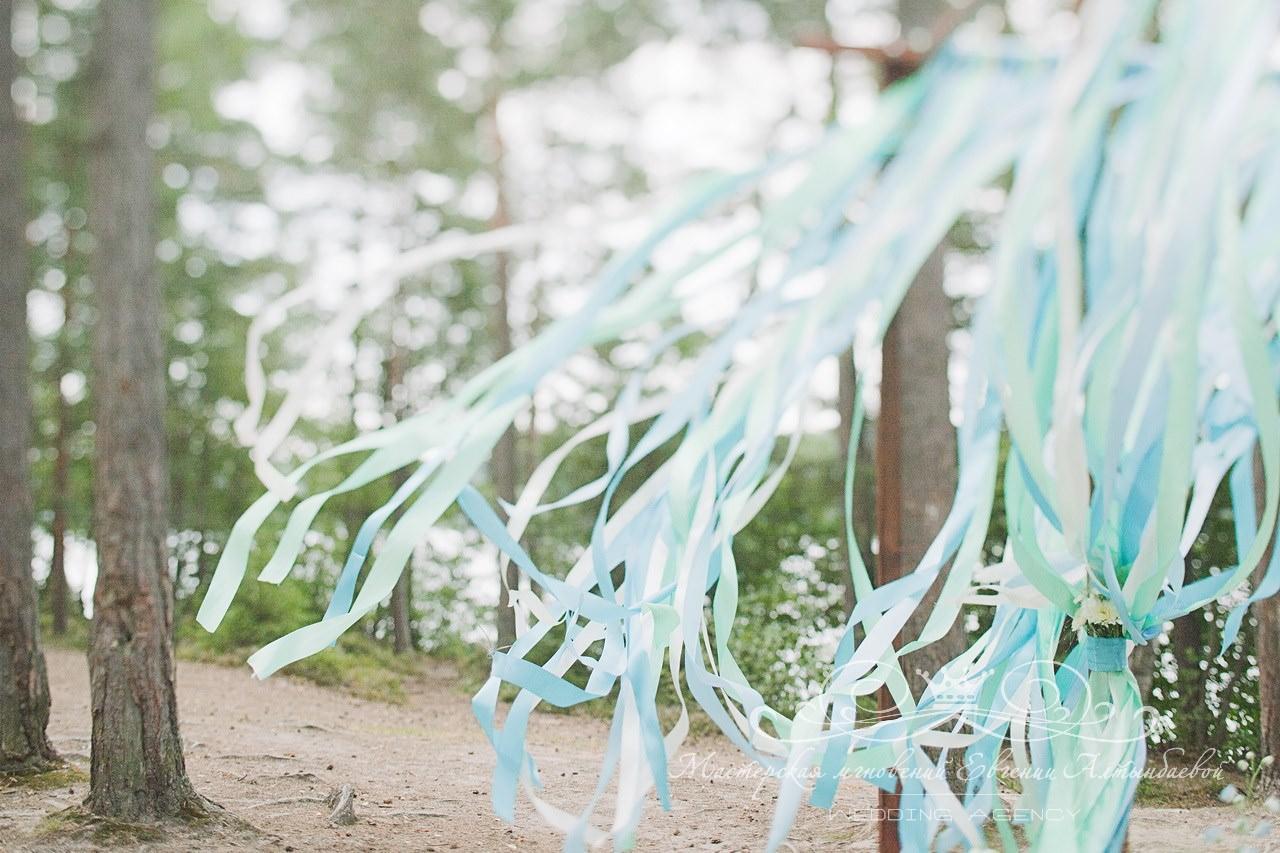 golyboy-i-myatniy-tsvet-svadby