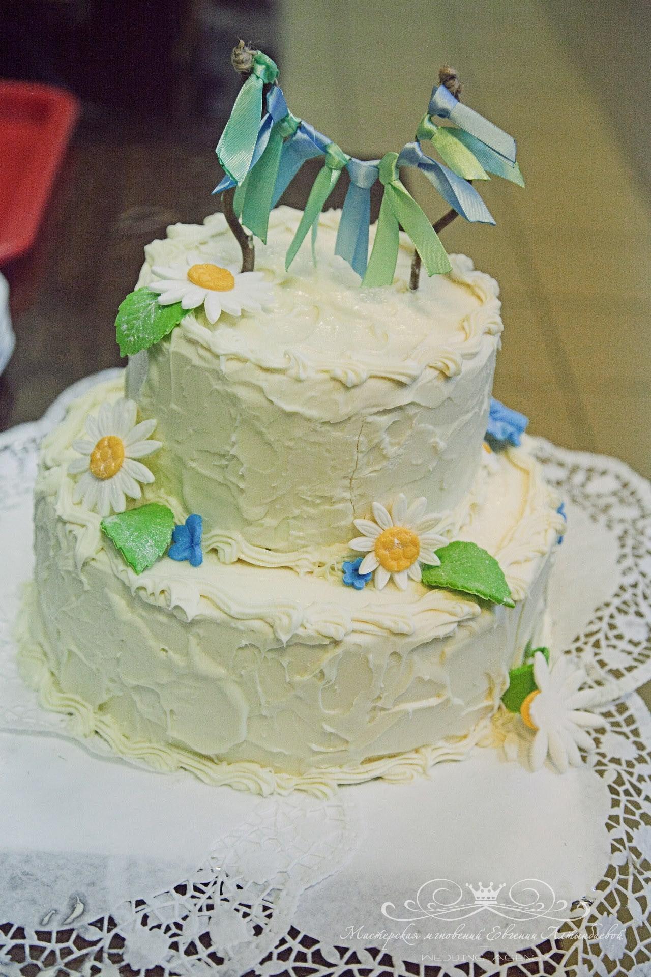 svadebnyi-tort-v-stile-rustic