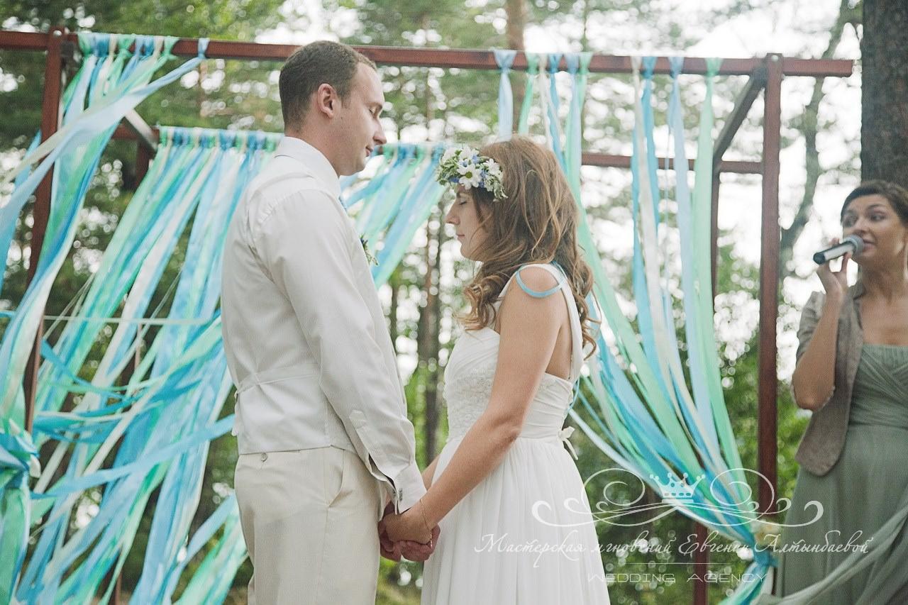 trogatelnyi-moment-na-svadebnoy-tseremonii