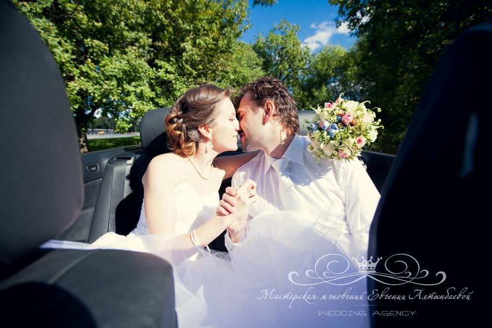 Белый кабриолет на свадьбу в Петербурге
