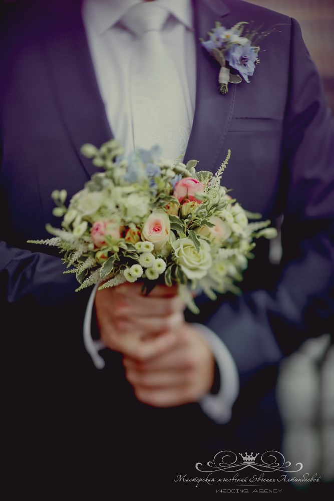 Красивый свадебный букет невесты