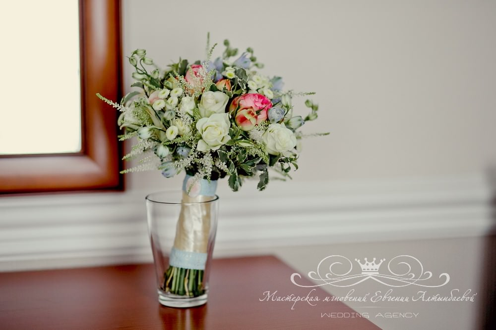 Нежный летний букет невесты