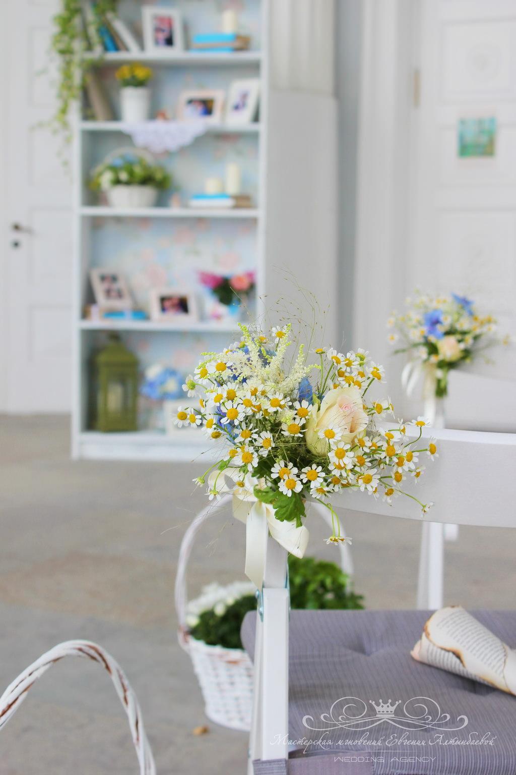 Полевые цветы на свадьбе