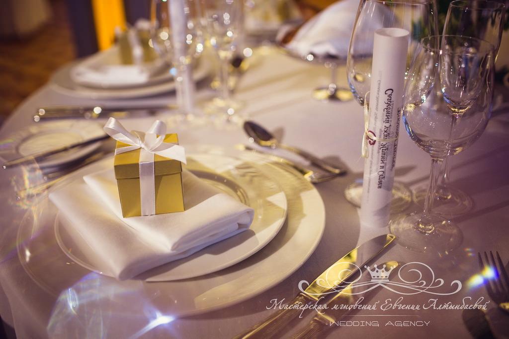 Свадебные бонбоньрки подарки для гостей