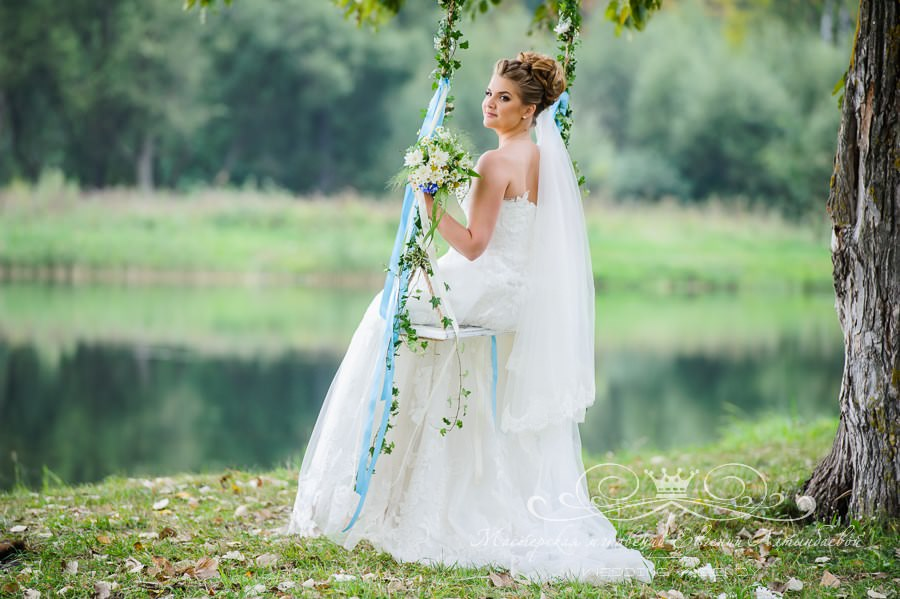 Аренда качелей для свадебной фотосессии