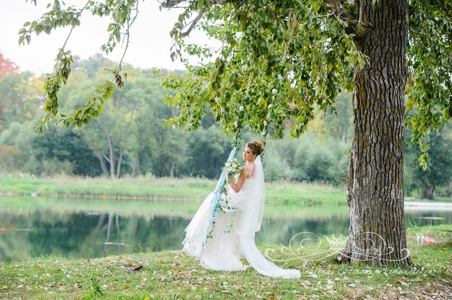 Оформление свадебной фотосессии на природе