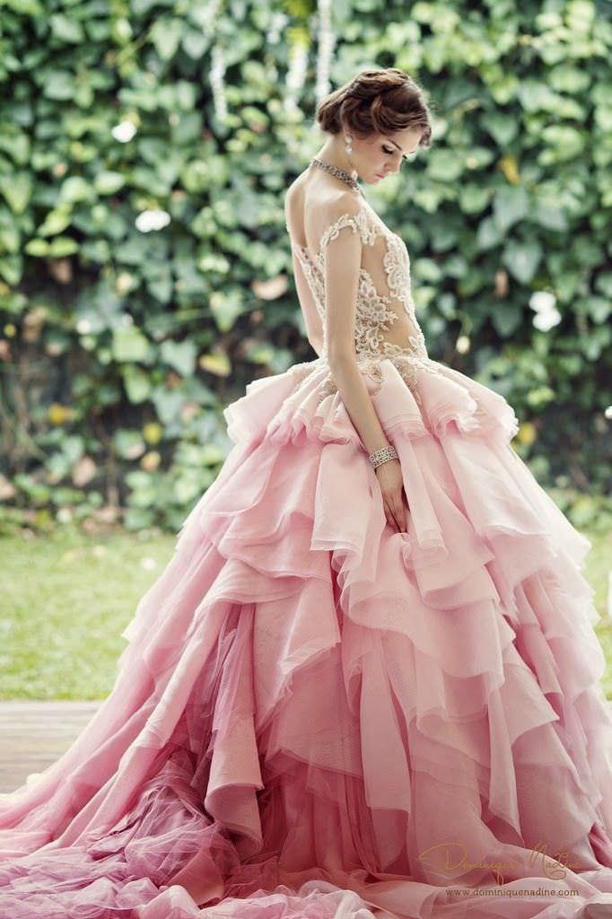 Свадебное платье в нежно-розовых тонах