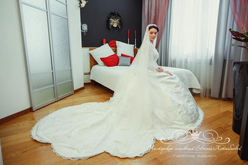 Роскошная свадебная фата