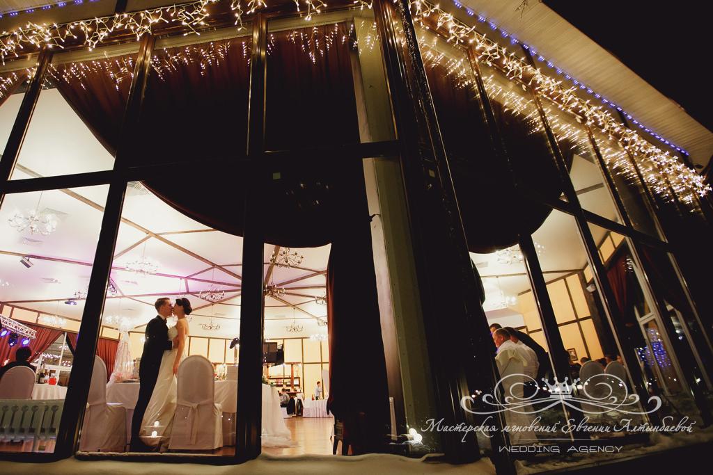 загородная свадьба в ресторане Драгунский Ручей