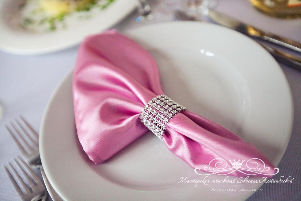 Банкетные салфетки нежно-розового цвета
