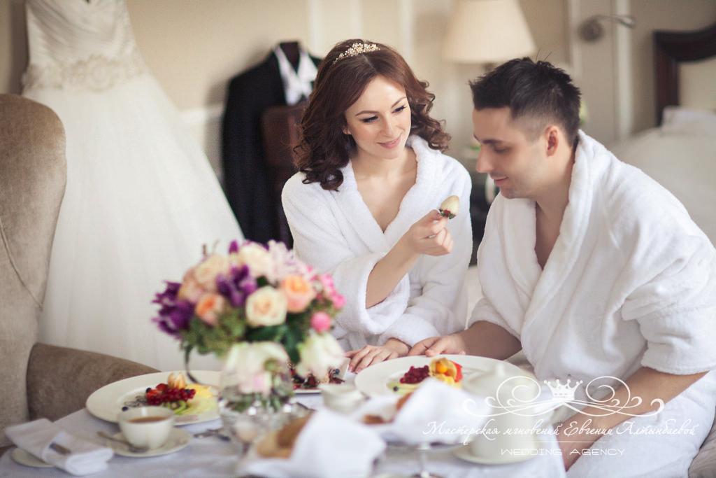 krasivoe-ytro-v-den-svadby