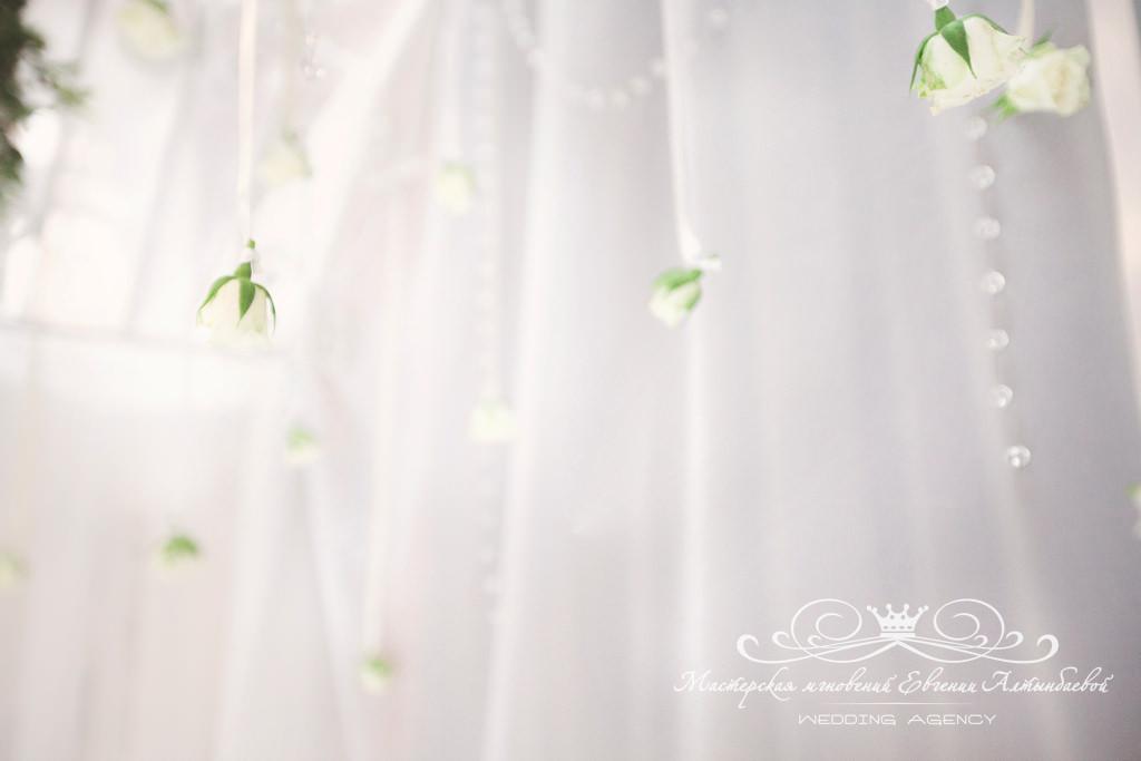 Подвесной декор на свадьбе
