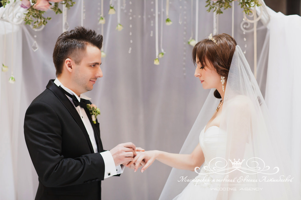 Организация свадьбы весной в СПб