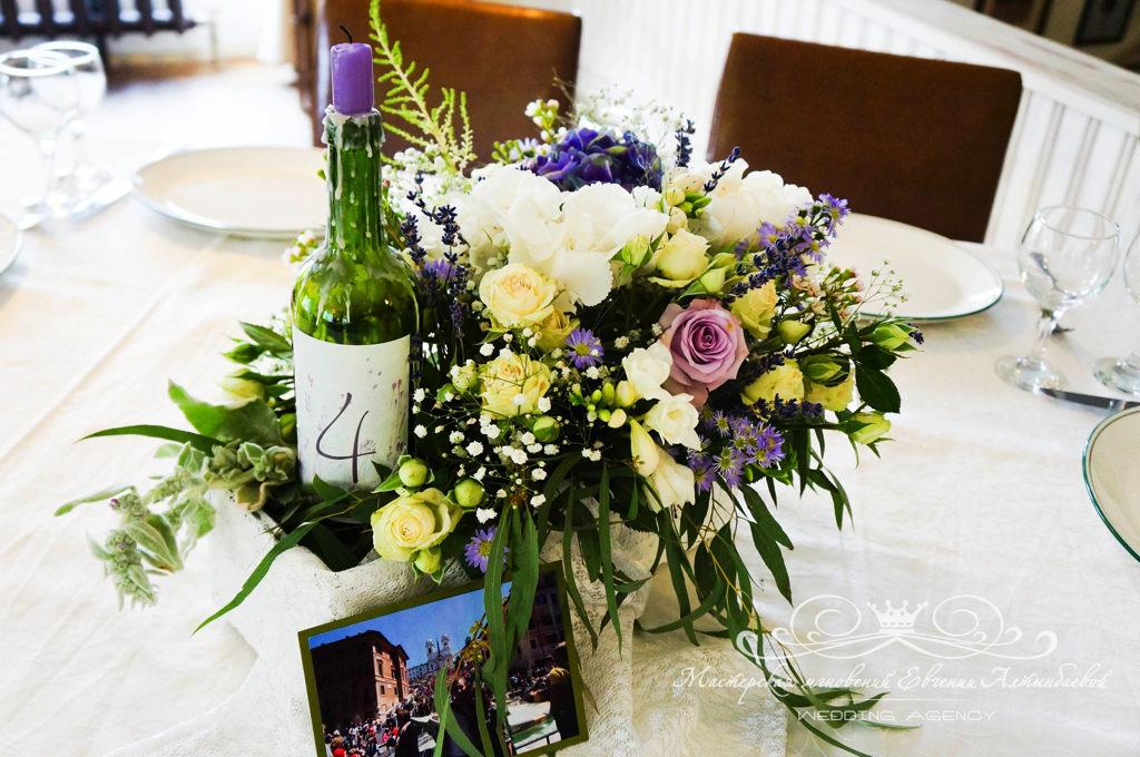 Оформление гостевых столов на винной свадьбе в стиле прованс