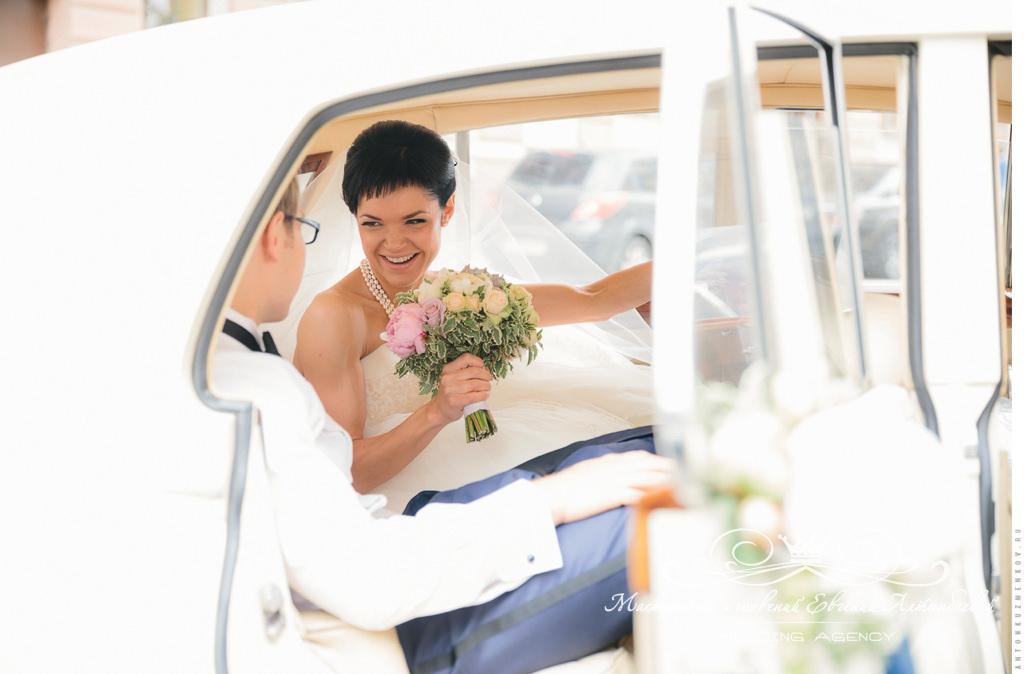 Аренда роскошного ретро автомобиля на свадьбу