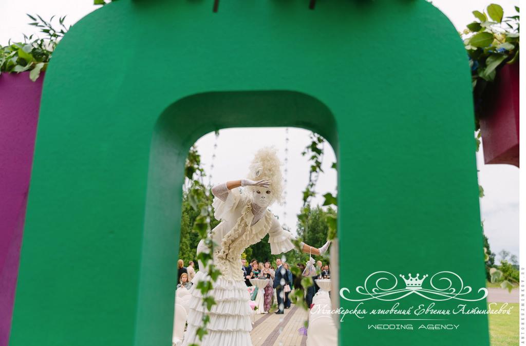 Ходулисты на свадьбе в Летнем Дворце
