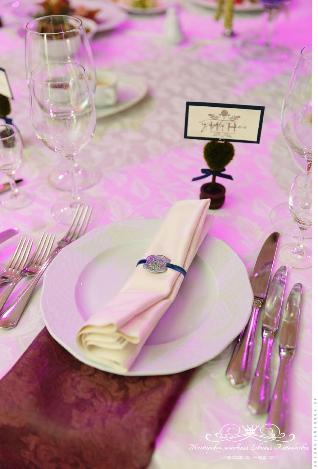Оформление салфеток на свадьбе