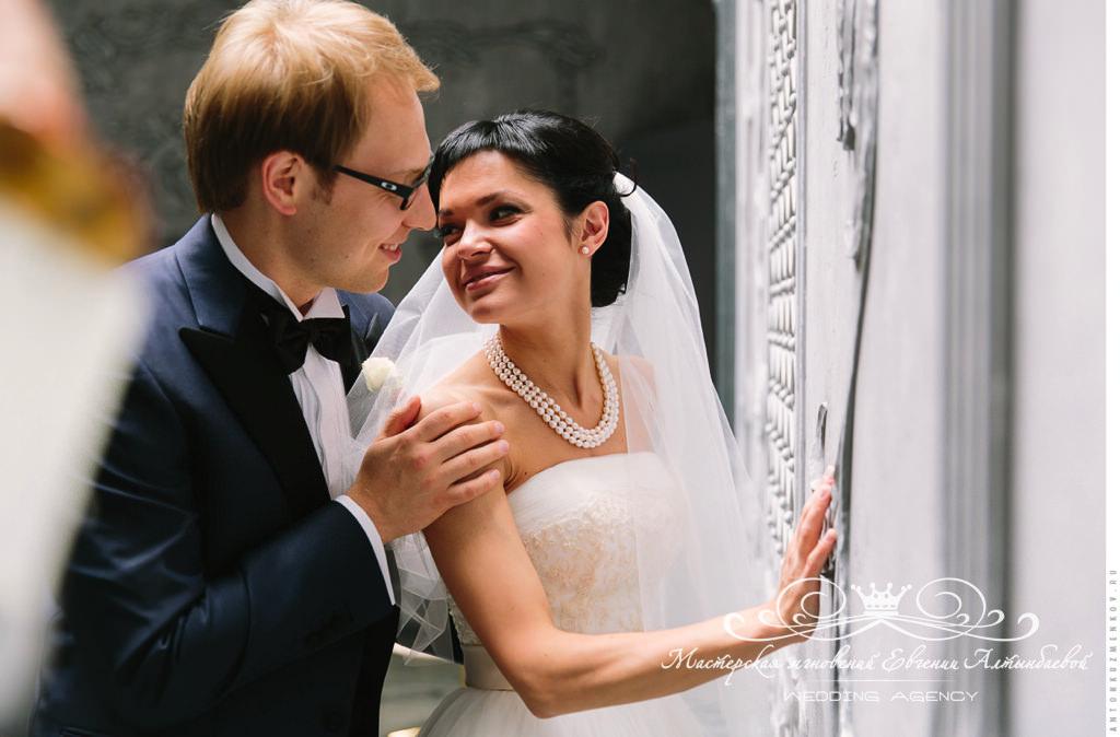 Роскошные классические образы жениха и невесты