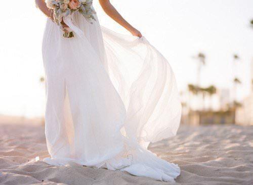 Лёгкий летящий силуэт свадебного платья