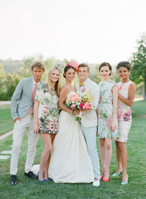 Цветочный принт в свадебном декоре