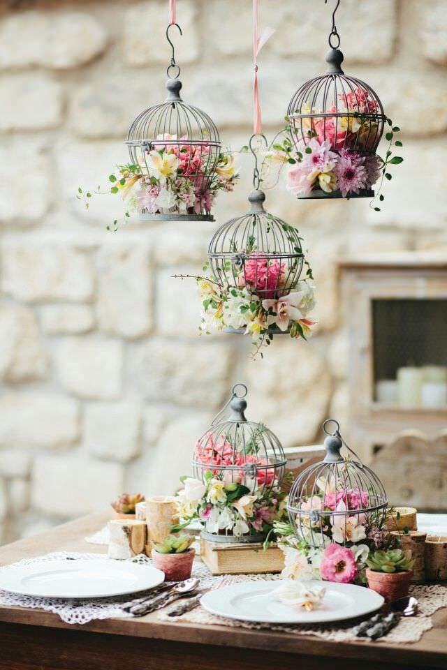 Птичьи клетки в декоре весенней свадьбы