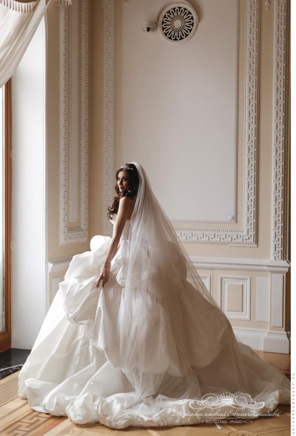 Шикарный свадебный образ