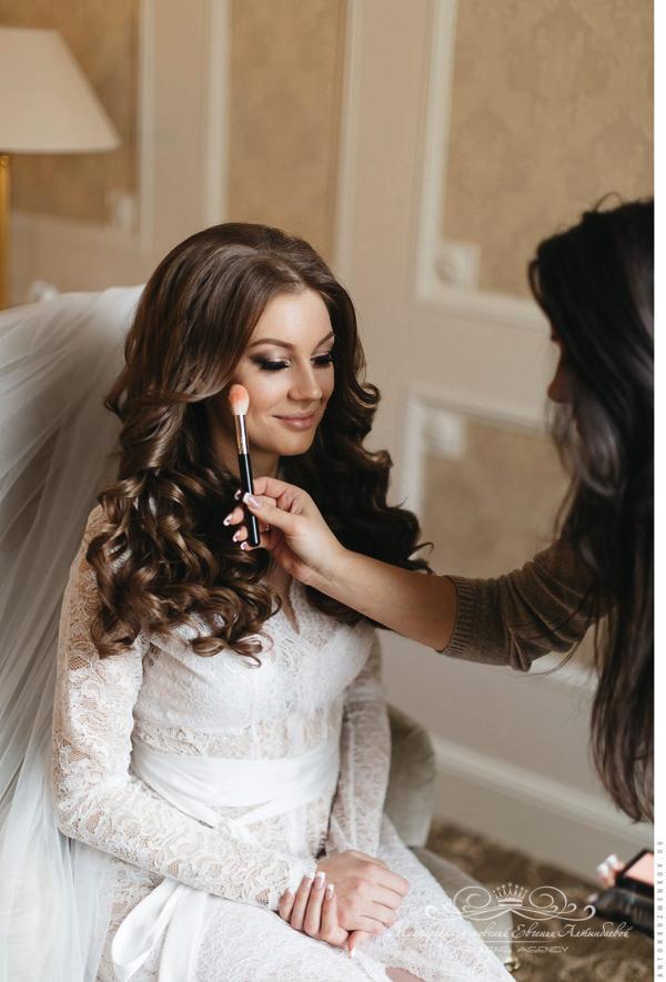 Свадебный стилист для невесты