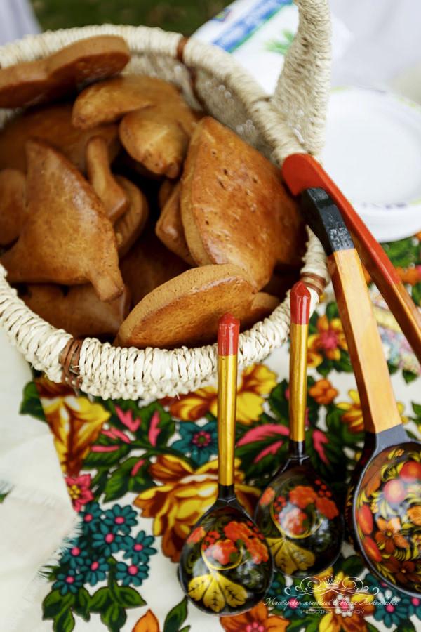 Мастер класс по росписи пряников на свадьбе в русском стиле