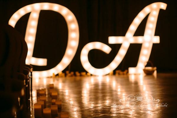 Большие буквы на свадьбу в Петербурге