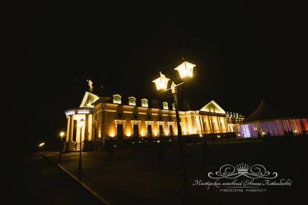 Летний дворец для проведения свадьбы
