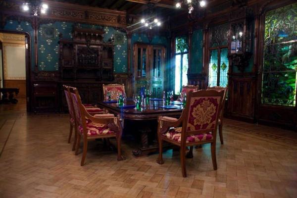 Ореховая гостиная в Талионе