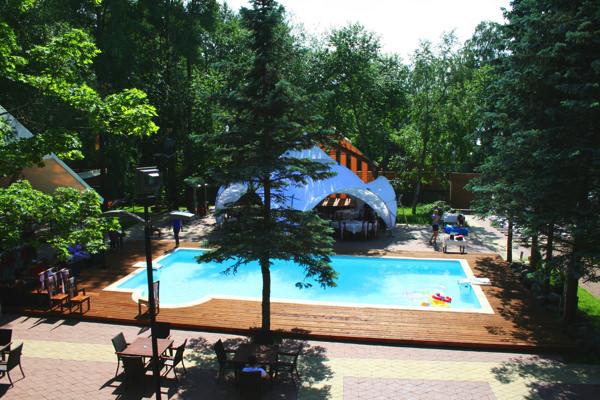 Ресторан с бассейном для свадьбы