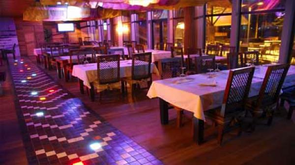Ресторан для свадьбы в загородном клубе Касабланка