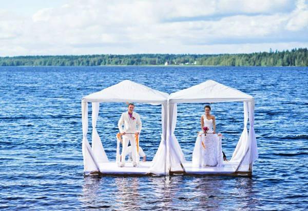 Красивая свадебная церемония в Лесной рапсодии