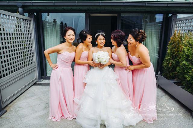 Невеста в платье от Вера Вонг