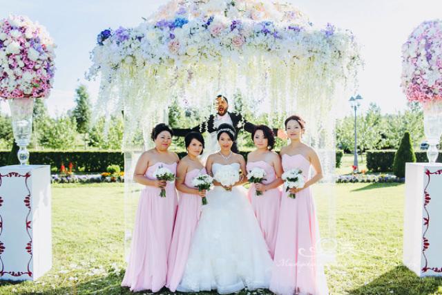 Подружки невесты на свадьбе в Летнем дворце