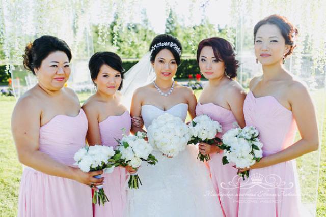 Стильные образы для подружек невесты
