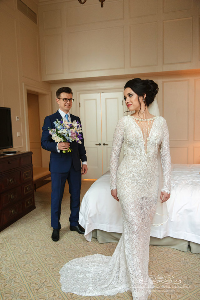 Встреча жениха и невесты в отеле Four Seasons
