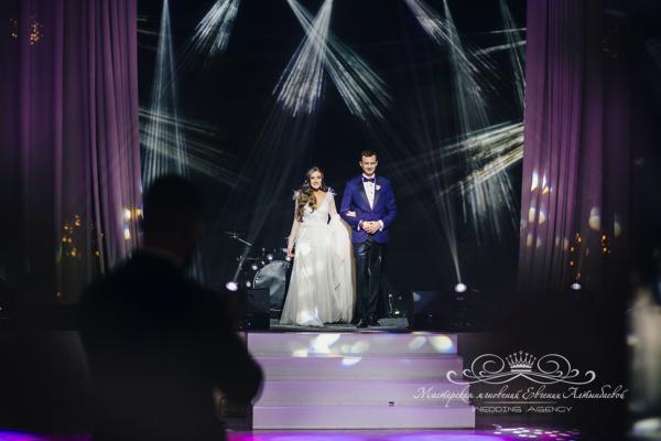 Организация свадьбы 50 оттенков белого во дворце